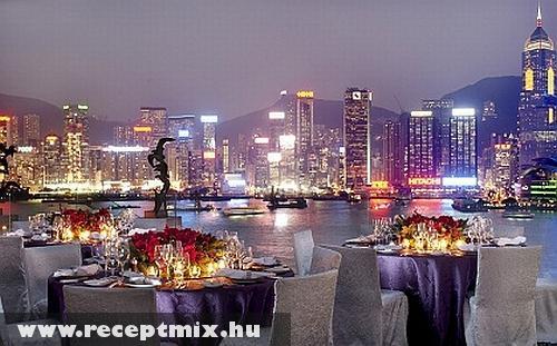 Kell ennél szebb éttermi kilátás?
