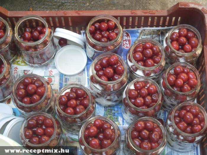 Így készül a házi cseresznye & meggy befõtt!