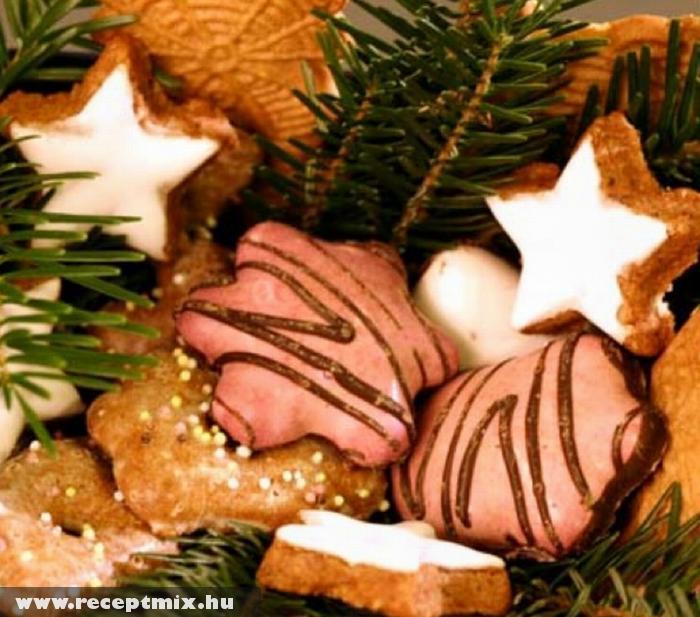 Karácsonyfa dísz - fenyõfa gyöngye apró süteményekbõl