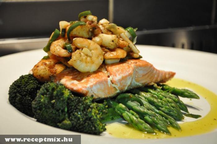 Spárgára ültetett hal, rákkal Jamie Oliver módra