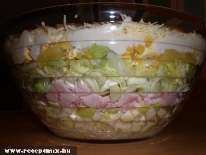 Óriási salátatál