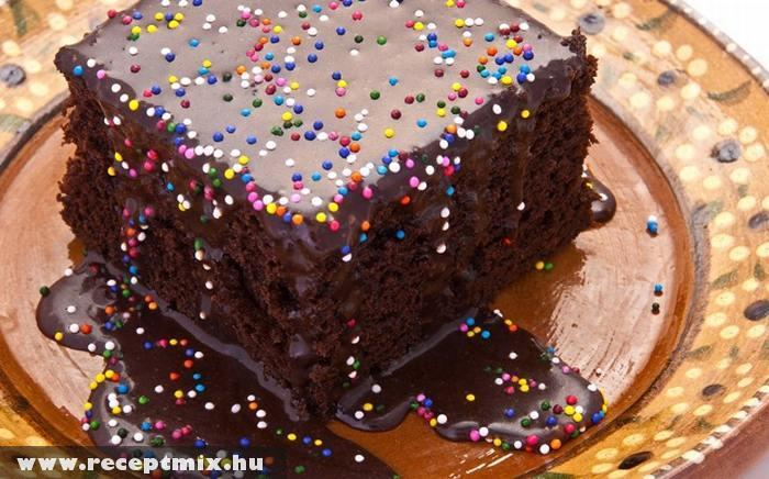Színes bogyós sütemény