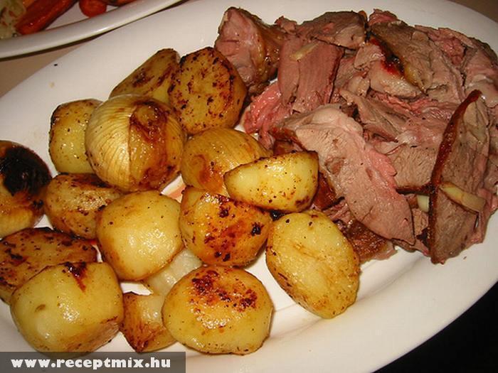 Sült hagyma,krumpli és hús