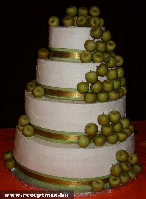 Zöldalmás esküvõi torta