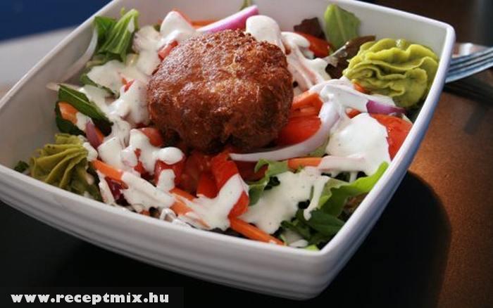 Fasírt salátával
