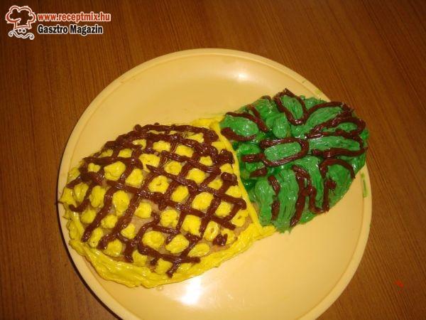 Ananász formájú torta