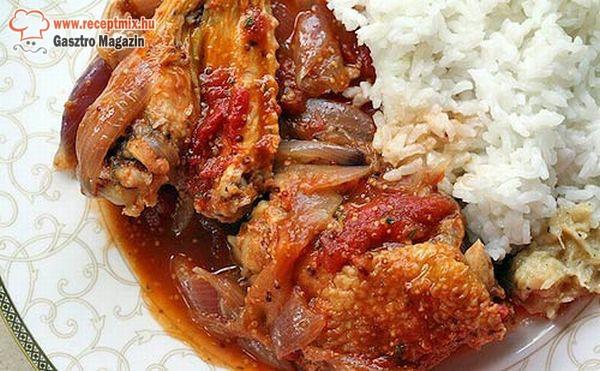 Csirkepörkölt rizzsel