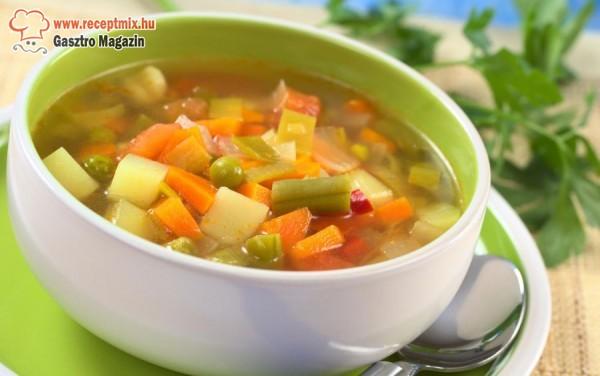 Forró zöldségleves