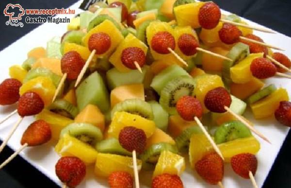 Gyümölcsnyárs