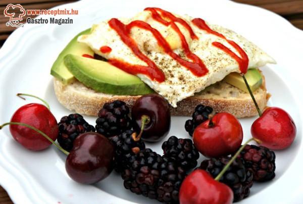 Gyümölcsös reggeli