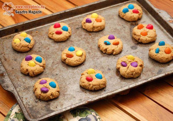 Házi színes cukorkás keksz