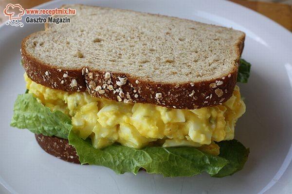 Tojássalátás szendvics