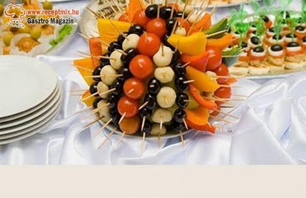 Tüskés golyó zöldségből és gyümölcsből