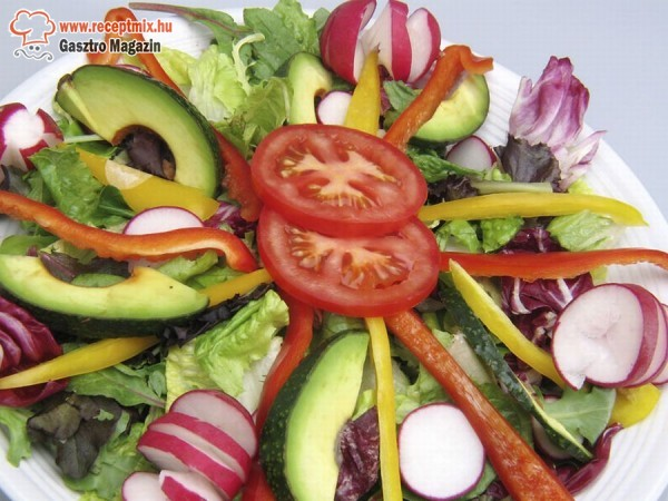 Vegyes zöldség saláta