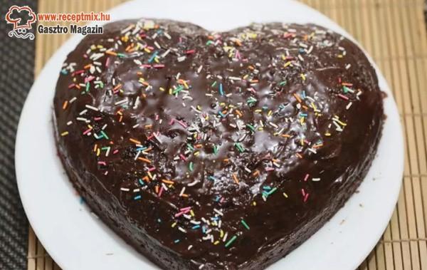 Szív formájú csokitorta