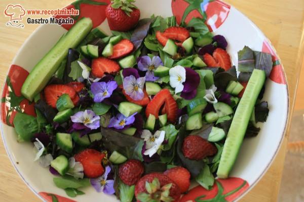 Virágos saláta