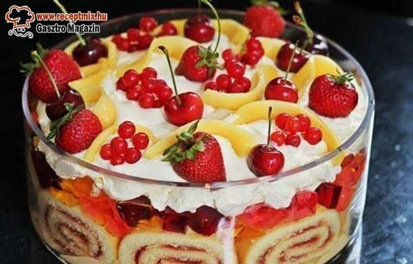 Gyümölcsös piskótás finomság