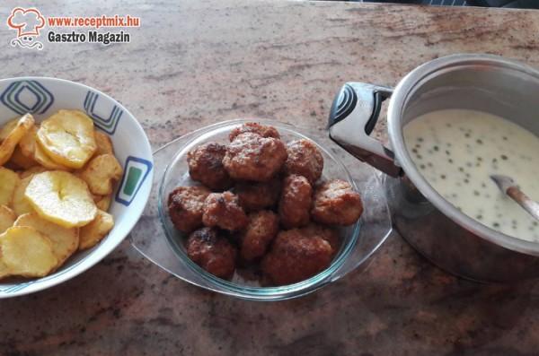 Borsófőzelék, fasírt, sülkrumpli