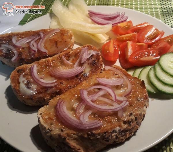 Pirítós, kacsazsíros kenyér, zöldségek