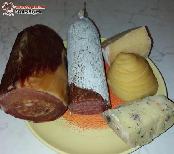 Húsos - sajtos hidegtál, házi finomságok