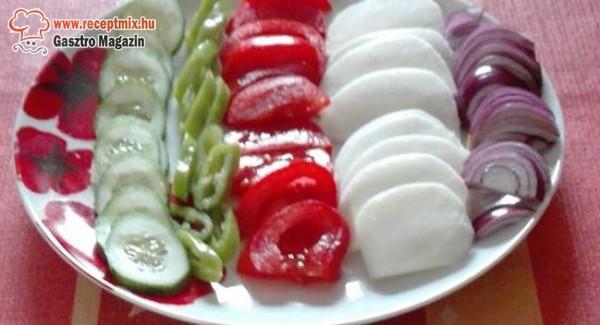 Paprika, paradicsom, hagyma, zöld finomságok