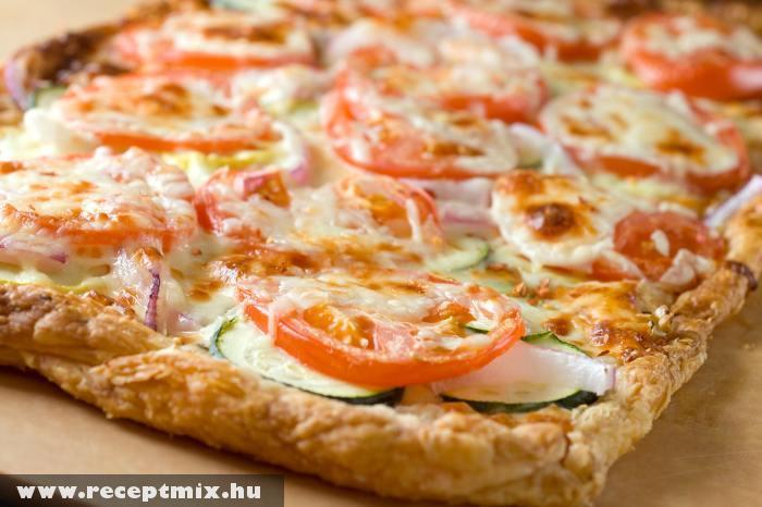 Házi készítésû pizza