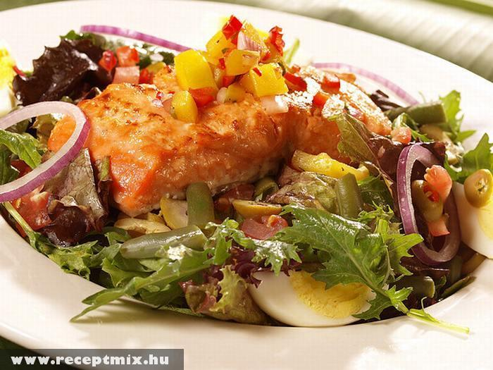 Sülthusi salátaágyon