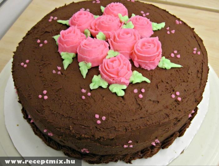 Rózsás csokitorta