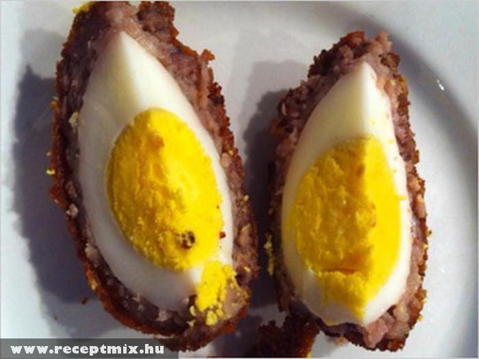 Egész tojással töltött fasírt