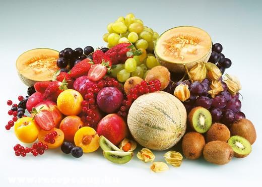 Gyümölcs kompozíció