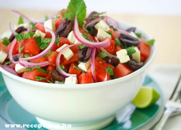 Olivás Feta saláta