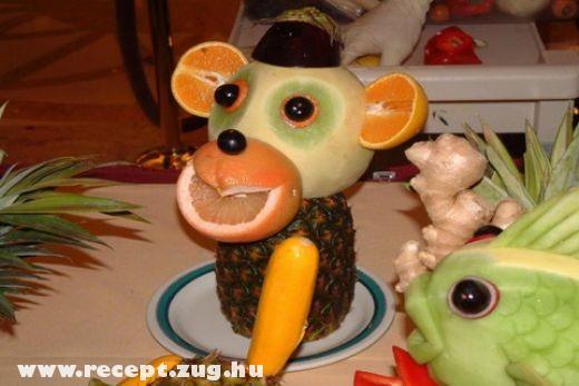 Gyümölcs majom
