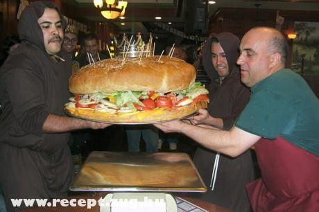 Egy óriás burgert kérek!
