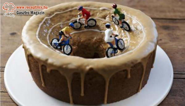 Motoros - mézeskalács torta