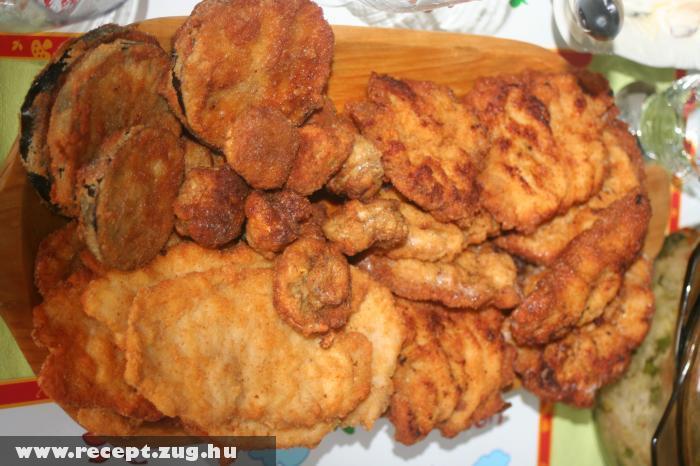 Rántott-tál: rántott marhaszelet, rántott csirkemell, rántott sertésszelet, rántott gomba