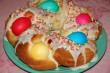 Festett tojásokkal töltött csavart kalács
