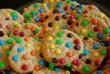 Színes cukorkás keksz
