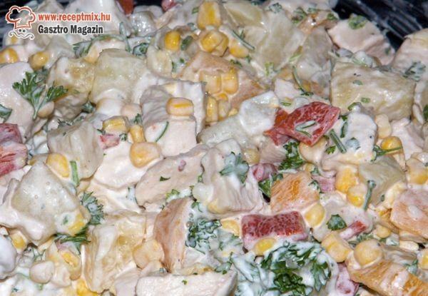 Ananászos csirkemell saláta