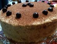 Tiramisu ízesítésű torta