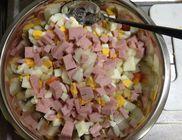 Hagymás-sonkás krumplisaláta