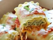Cukkinivel töltött lasagne tekercsek