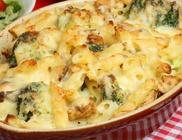 Brokkolis-tejszínes rakott tészta